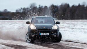 Porsche Cayenne Turbo – maastikule!